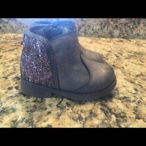 Oshkosh Size 5 Baby Girl Booties